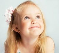 Нужно ли прокалывать уши ребенку?